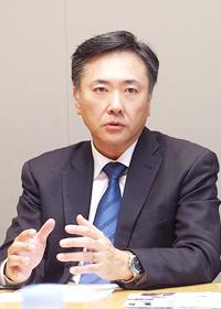 岩澤 俊典 氏