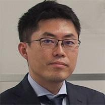赤坂 圭士郎 氏