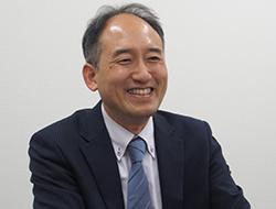 西阪 章宏 氏