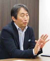 松井 啓 氏